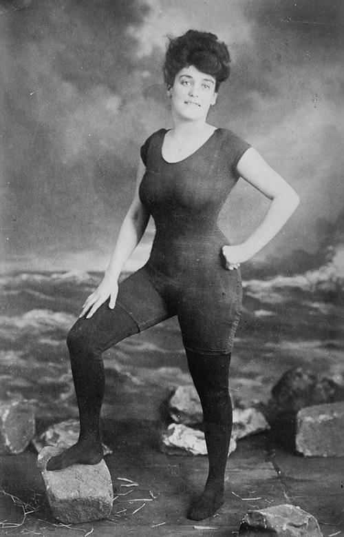 Annette-Kellerman-diritti-della-donna-hotel-san-salvador-igea-marina